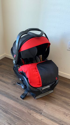 BABY TREND INFANT CAR SEAT for Sale in Corona, CA