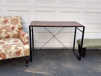 Accent Arm Chair, Desk Table, Bench Ottoman for Sale in Patterson,  CA