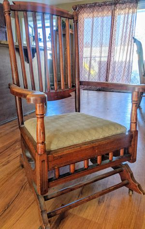 1900's Antique Rocking Chair for Sale in Burlington, WA