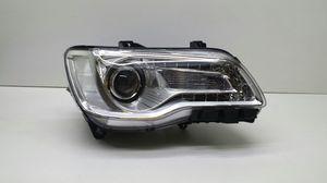 2015-2016 Chrysler 300 chrome headlight for Sale in Detroit, MI
