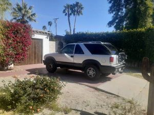 Clean 1995 Chevy Blazer S10 4x4 for Sale in Palm Springs, CA