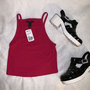 Fuchsia knit crop tank top size S Forever 21 for Sale in Tacoma, WA
