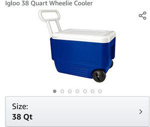 IGLOO 38 quart Wheelie Cooler for Sale in Everett, WA
