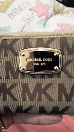 Michael Kors wallet for Sale in Lorain, OH