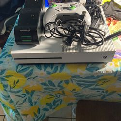 Xbox One S 500GB USED for Sale in Rosemead, CA