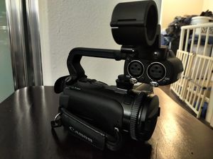 Canan XA-10 Video Camera in amazing condition for Sale in Los Angeles, CA