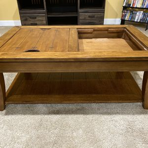 Matching coffee table and TV stand for Sale in Fairmont, WV