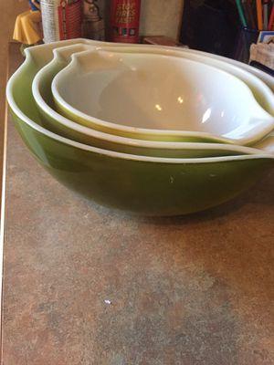 Vintage Pyrex Cinderella verde green bowls for Sale in Woodbine, MD