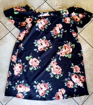 Off the shoulder dress size 2xl for Sale in Monrovia, CA