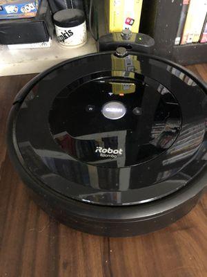 Roomba e5 for Sale in Signal Hill, CA