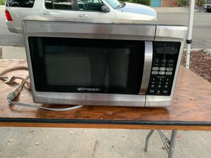Emerson microwave for Sale in San Marcos, CA