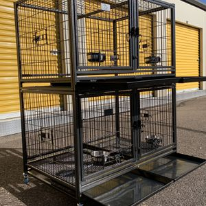 Excellent quality heavy duty Kennel with divider and feeding bowls, wide doors 🐶 Cyber Monday🛍🇺🇸🎉⭐️🛒🎁 for Sale in Phoenix, AZ