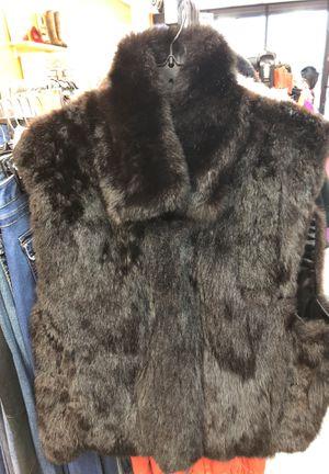 Ladies fur vest sz L for Sale in Detroit, MI