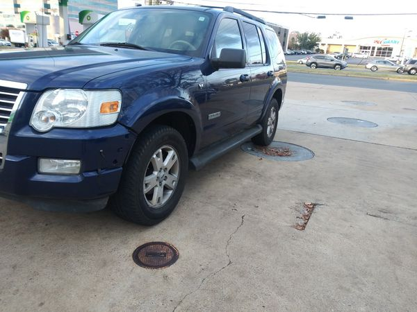 2008 Ford Explorer XLT loaded leather sunroof