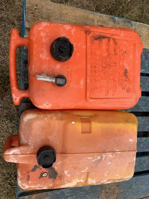 2 Boat Gas Tanks In Good Condition for Sale in Colorado Springs, CO