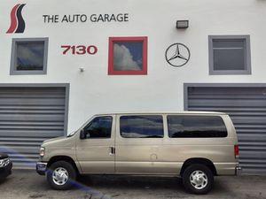 Ford E-series Wagon E-350 for Sale in Miami, FL