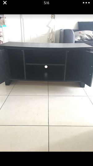 Black heavy duty TV stand, needs to go ASAP!!! for Sale in Miami, FL