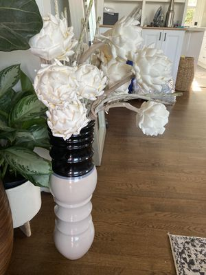 Vase and flowers for Sale in San Diego, CA
