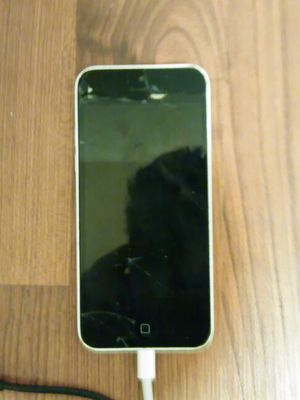 IPhone 5 cracked screen for Sale in Salt Lake City, UT