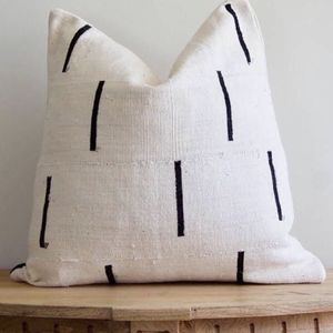 "Williams Sonoma African Mudcloth Dashes Pillow Cover 20"", New! Paid $88 (Pottery Barn, West Elm, C2B, Anthropologie, KitchenAid, Cuisinart, Breville) for Sale in Portland, OR"