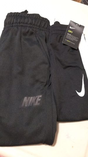 Nike pants brand new one size 4 the other 7? for Sale in Pico Rivera, CA