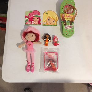 Strawberry Shortcake Doll, Figurines, Booklets, & Girls Flip Flops. Set of 7. 2009-2010 for Sale in Long Beach, CA