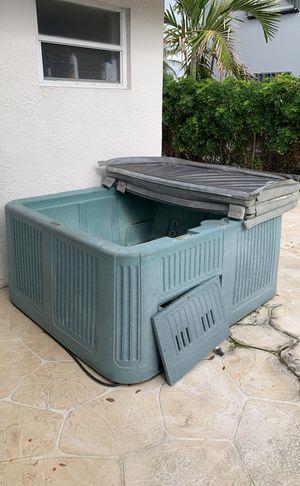Hot tub for Sale in Plantation, FL