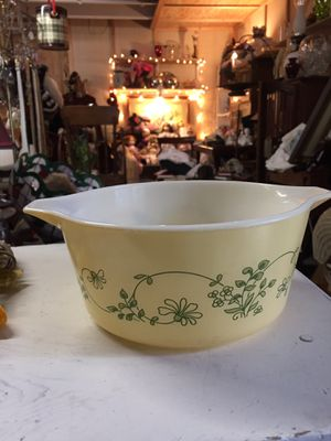VINTAGE PYREX YELLOW SHENANDOAH round for Sale in Scappoose, OR