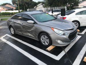 Parts parts parts Hyundai Sonata for Sale in Delray Beach, FL