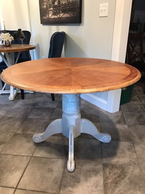 """42"""" Round Kitchen Table for Sale in Greenville, SC"""