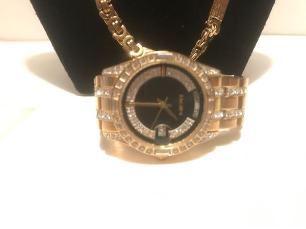"""Base Metal Bezel ELGIN with diamonds Watch stainless steel Gold Tone the chain is 23"""".and the bracelet 8"""" Gold plated get for a gift 🎁"""
