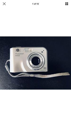 HP PhotoSmart M425 5.0MP Digital Camera - Silver for Sale in Bakersfield, CA