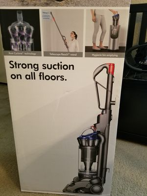 Dyson DC33 for Sale in Rhome, TX