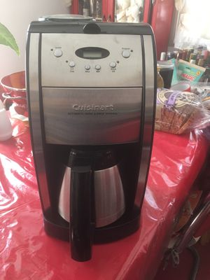 Cuisinart automatic grind and brew coffee maker. for Sale in Long Beach, CA