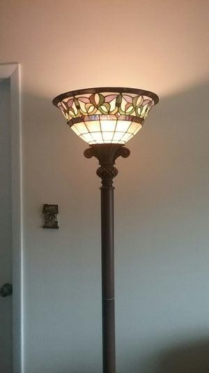 Lamp stained glass shade. for Sale in Port St. Lucie, FL