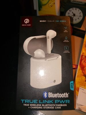 Bluetooth wireless earbuds!! for Sale in Charleston, SC