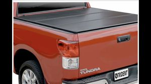 Tundra Tonneau Tri-fold Hard Cover 2007 6.5 ft for Sale in Pomona, CA