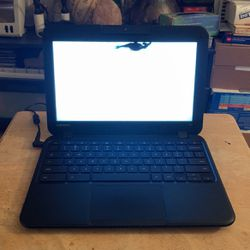 Chrome Book Lenovo N22 for Sale in Long Beach,  CA