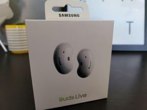 Samsung - Galaxy Buds Live True Wireless Earbud Headphones - White - Active Noise Cancelling for Sale in Clearwater, FL
