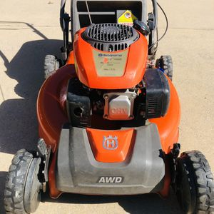 Husqvarna HU675AWD 149cc 22in SELF-PROPELLED, All-Wheel Drive Lawn Mower /w BAG. for Sale in Plano, TX