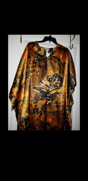 One size fits all ladies robe NWT for Sale in Humble, TX