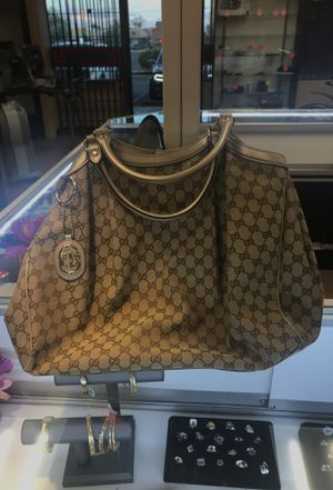 Gucci Sukey Tote with Gold Trim for Sale in Mesa, AZ