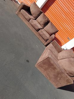 Couch And Loveseat W/ FREE DELIVERY for Sale in Las Vegas,  NV