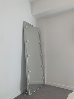 Oversized mirror with led lights. Can be mounted on wall!! for Sale in Glendale, CA