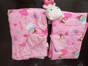 Girls bedding set of 2 for Sale in Lowell, MA