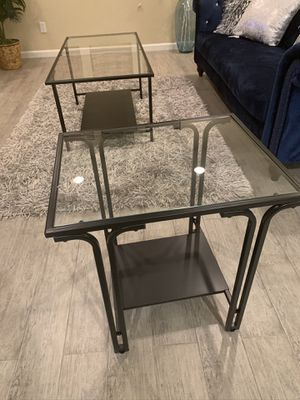 Living room coffee table 2 end tables for Sale in Hayward, CA