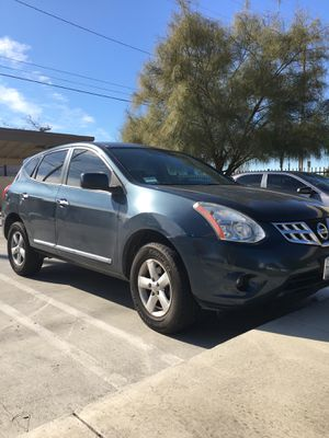 2013 Nissan Rouge Special Edition Super Clean for Sale in Hemet, CA