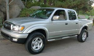 Automatic Truck 2004 T0Y0TA Tacoma AWDWheelss Very clean for Sale in Baltimore, MD