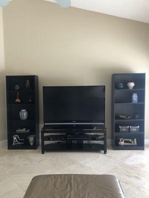 2 bookshelves for Sale in Tamarac, FL