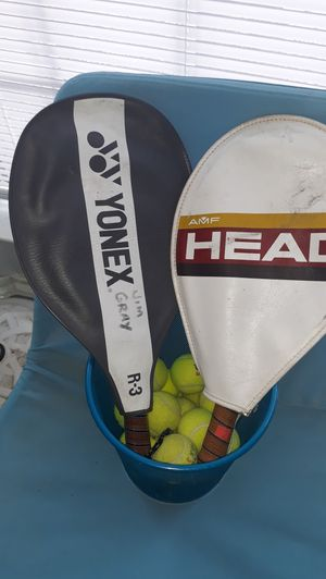 20 tennis balls and two rockets for $55 for Sale in Houston, TX